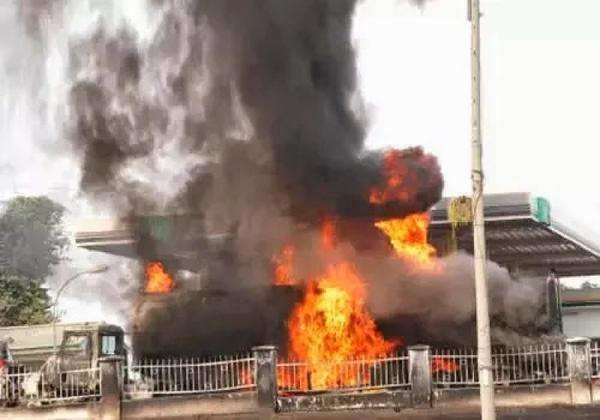A fuel station in Accra in flames