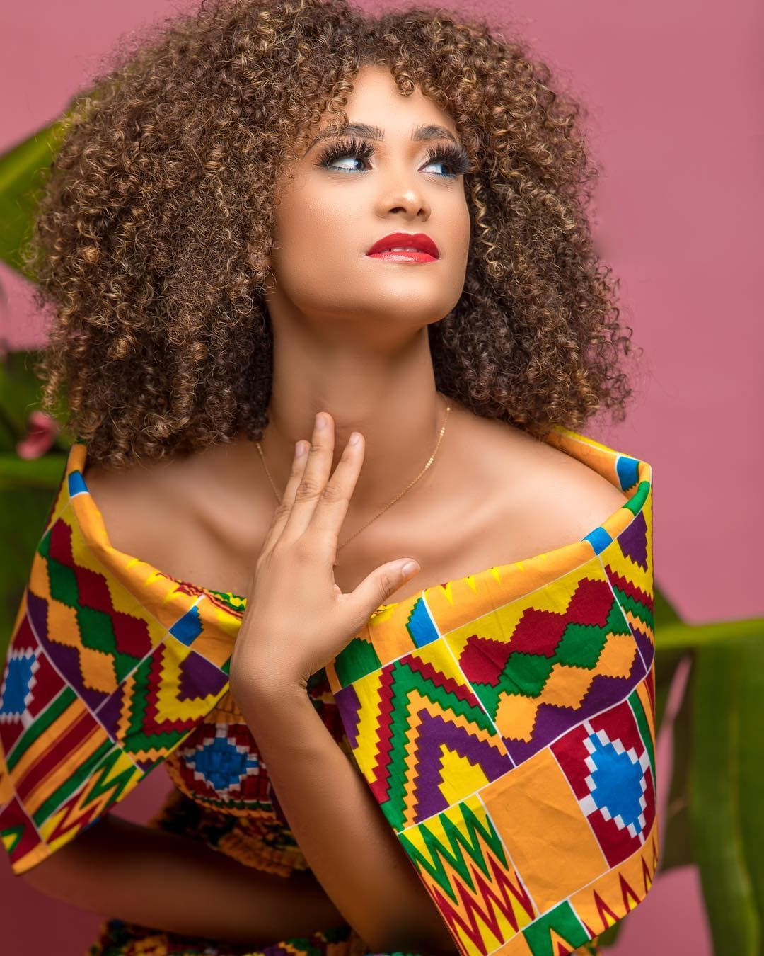 Beca Donald Knott dashes out in new kente photos