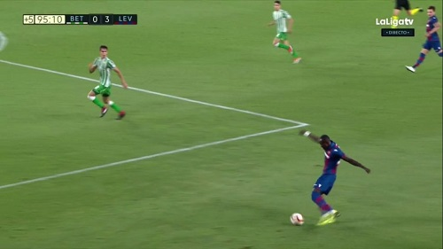 Raphael Dwamena grabs an assist on his La Liga debut