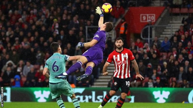 Austin score late to give Southampton win over Arsenal