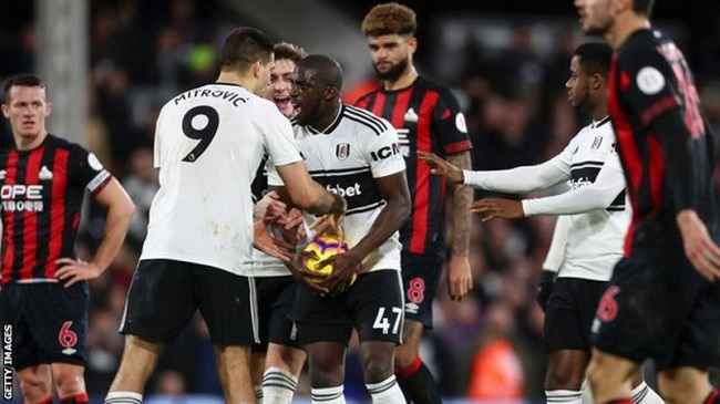 Fulham to take action over racist abuse online on Kamara