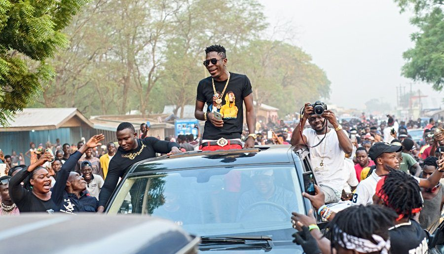 Fans welcome Shatta Wale in a grand style
