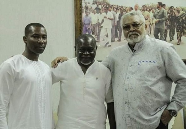 Azumah Nelson (middle)
