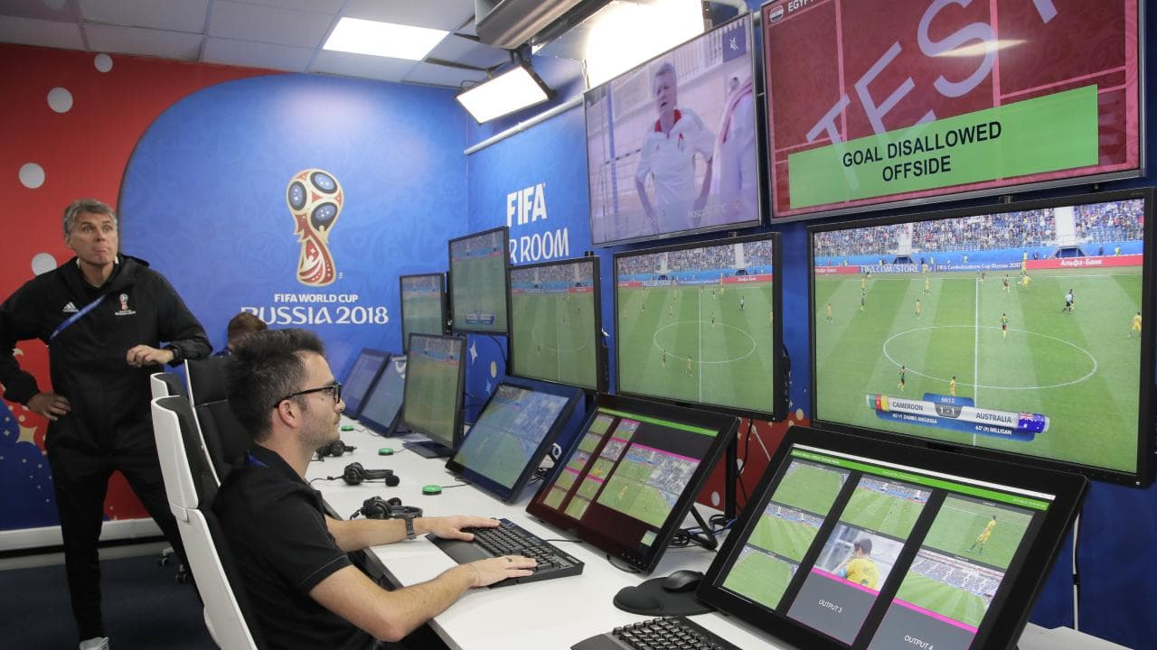 How does VAR work?
