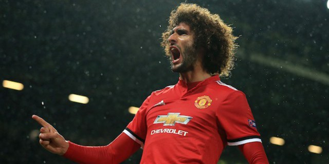 Manchester utd midfielder Marouane Fellaini extends his contract