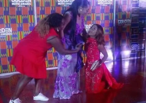 Rosemond Brown begs Moesha Boduong at Golden Movies Awards