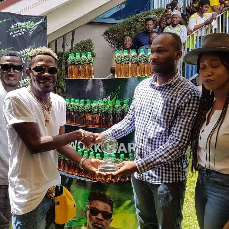 Kasapreko company presents prestigious awards to Shatta Wale as brand ambassador