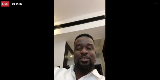 Sarkodie 'begs' Shatta Wale in his first Facebook live