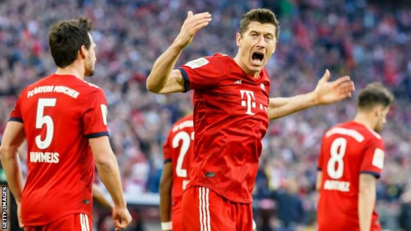 Only Gerd Muller (234 games) has scored 200 goals in the Bundesliga quicker than Robert Lewandowski (284 games)