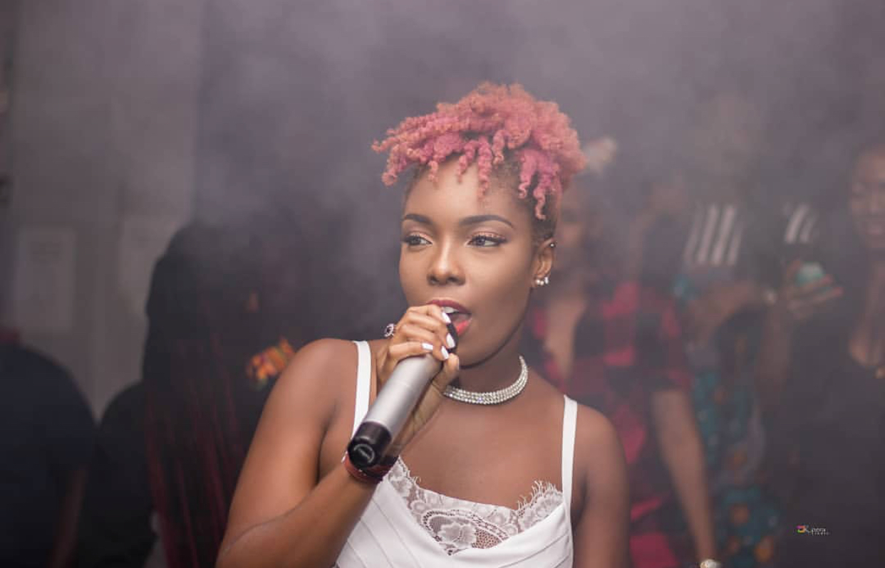 Feli Nuna react after fan throws sachet water at her