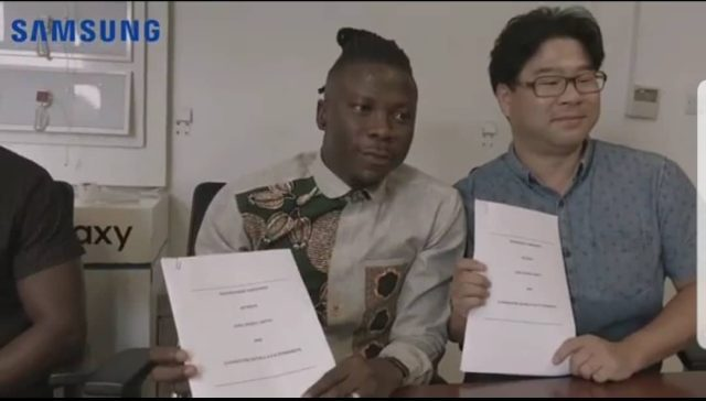 VIDEO: Stonebwoy signs new deal with Samsung