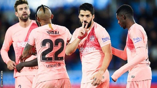 VIDEO: Barcelona close in on La Liga title with routine win at Alaves
