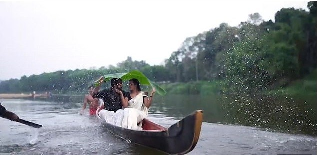 Lovers fall into river during pre-wedding photoshoot