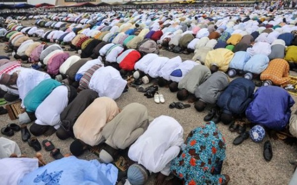 Muslims worldwide mark Eid al-Adha today