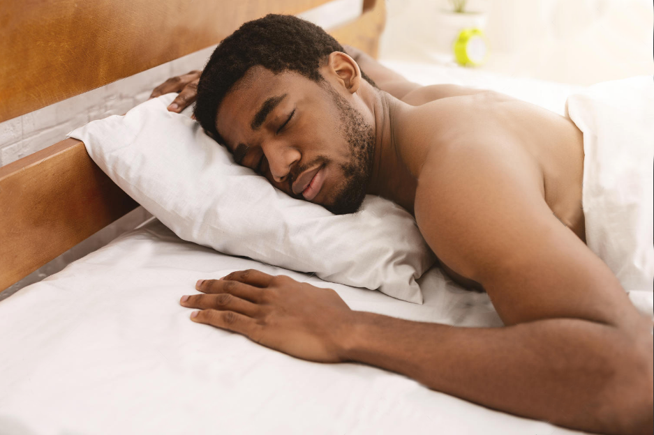 8 unbelievable reasons why you should sleep naked