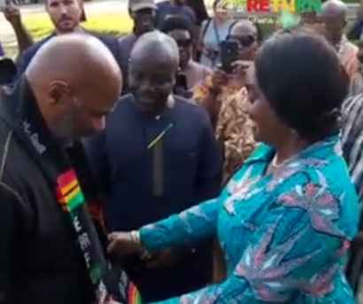Year of Return : US comedian Steve Harvey arrives in Ghana (Video)