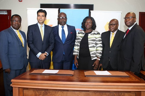 From left Nana Otuo Acheampong (Non-Executive Director, CalBank), Faisal Masood (Corporate Banking Head, Nigeria and Ghana, Citi), Frank Adu Jnr. (Managing Director, CalBank), Olivia Kumordzi (Country Business Manager, Citi-Ghana), Dr. Kobina Quansah (Non-Executive Director, CalBank) and Philip Owiredu (Executive Director, CalBank)