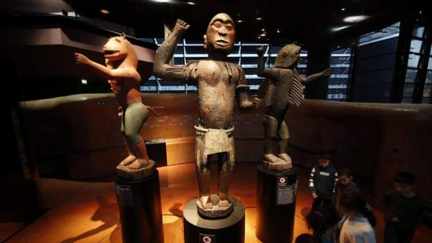 France promises to return looted Benin statues by 2021