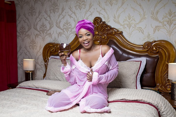 Mzbel warns: I will sleep with your boyfriend if you diss me on social media (VIDEO)