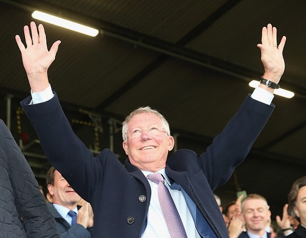Sir Alex Ferguson back in the Manchester United dugout