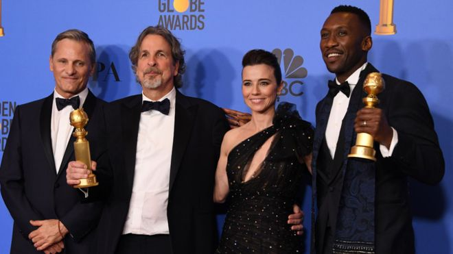 Green Book actor Viggo Mortensen, director Peter Farrelly, actress Linda Cardellini and actor Mahershala Ali with their Golden Globes