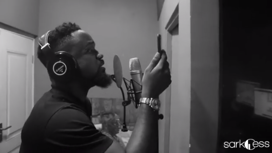 Sarkodie to release #IKnow with Reekado Banks