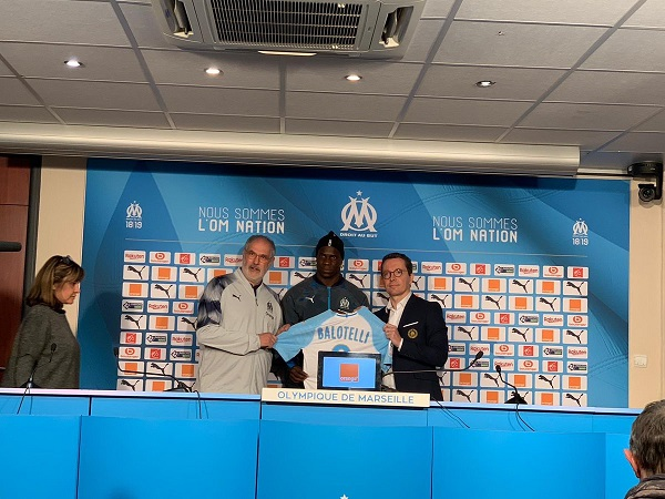 OFFICIAL: Mario Balotelli completes six-months loan move to Marseille