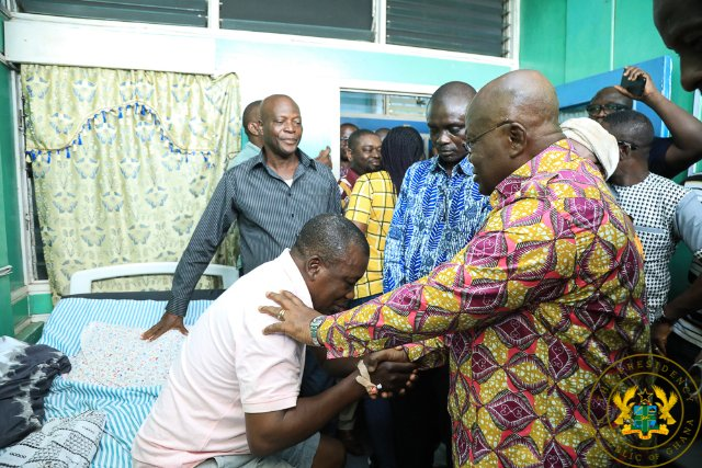 President Akufo-Addo visits Chief of Lower Dixcove, Nana Akwasi Agyemang at the hospital