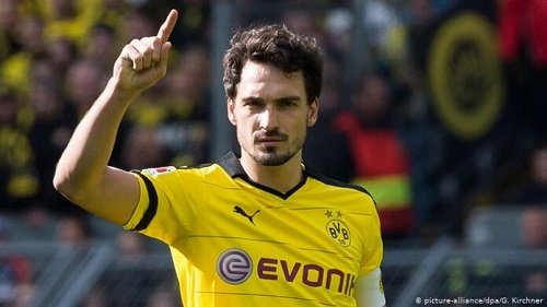 Mats Hummels completes shock transfer from Bayern Munich back to Borussia Dortmund
