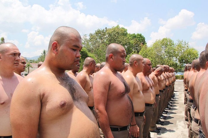 Belly destruction - Thailand sends overweight policemen to fat camp