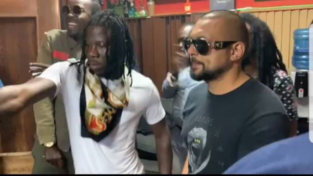 Stonebwoy on-set shooting videos with Sean Paul, Beenie Man and, Tarrus Riley in Jamaica