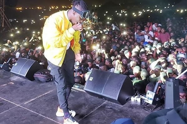 VIDEO: Stonebwoy causes 'turmoil' with his performance in Samreboi