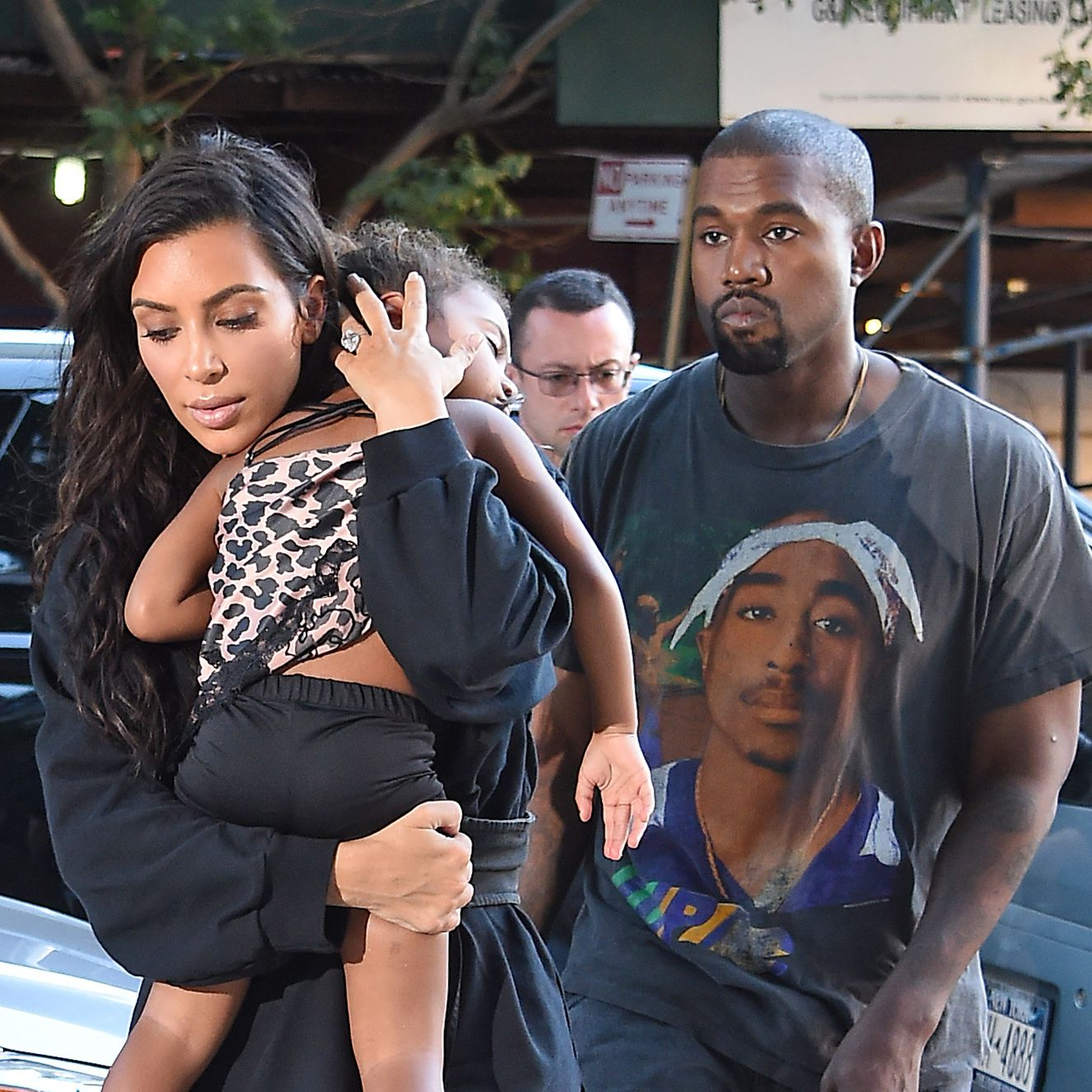 Kanye West and Kim Kardashian welcome their 4th child
