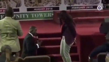 Man proposes to girlfriend during church service