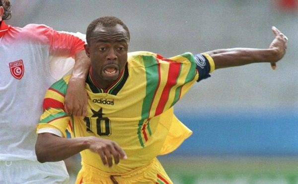 Abedi Pele (right)