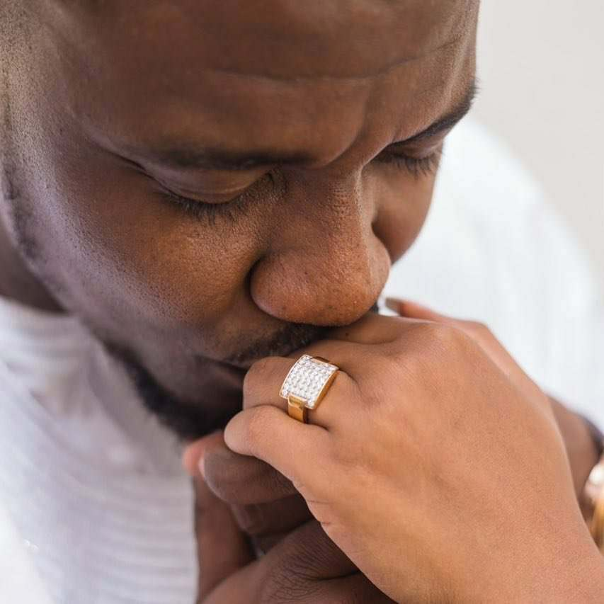 John Dumelo shows of wife's diamond ring, his version of #assurance
